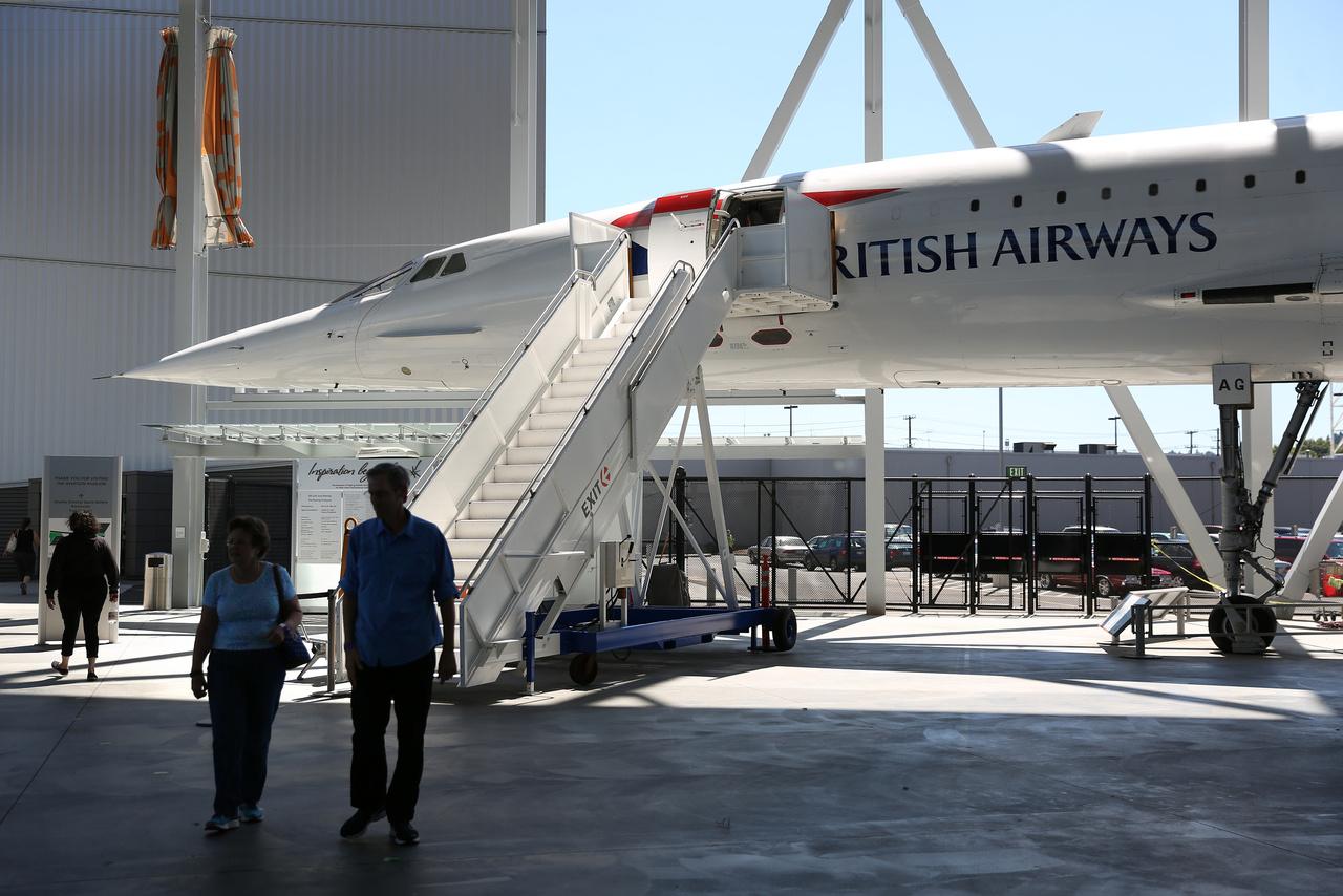 A valaha épült húsz Concorde szuperszonikus utasszállítók egyike. A gyűjteményben lévő példány 1978-ban repült először a British Airways színeiben és karrierje során 5600-szor szállt fel és le, összesen 16 200 órát repülve. 2003-ban vonták ki a forgalomból.