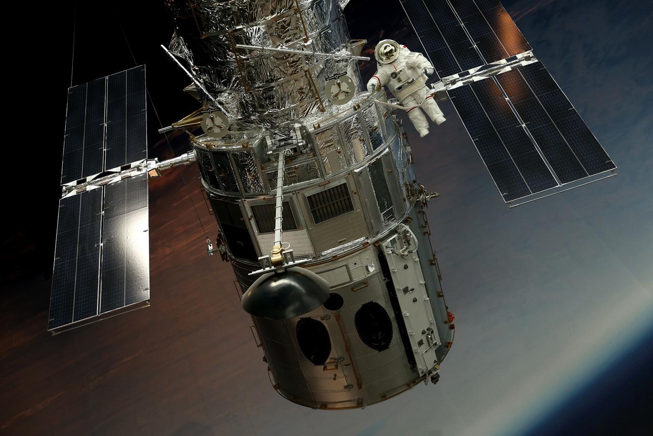 A Hubble űrteleszkóp 1:2 arányú modellje.