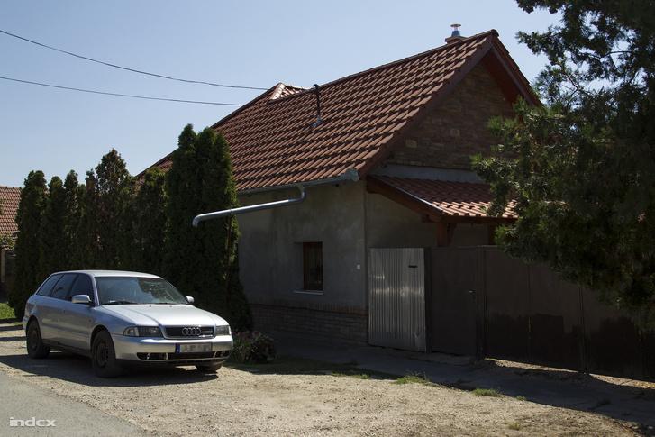 F. Szilvia háza Szegváron