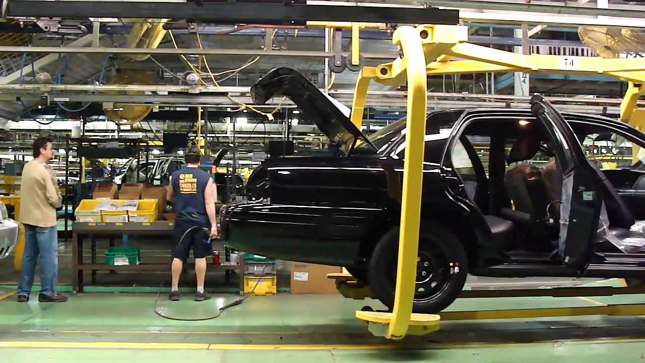 A legtöbb Crown Vicet az Egyesült Államok hatóságai használták, pedig ezek az autók nem is az USA-ban készültek, hanem kizárólag Kanadában, a Ford tabotwille-i St. Thomas gyárában.