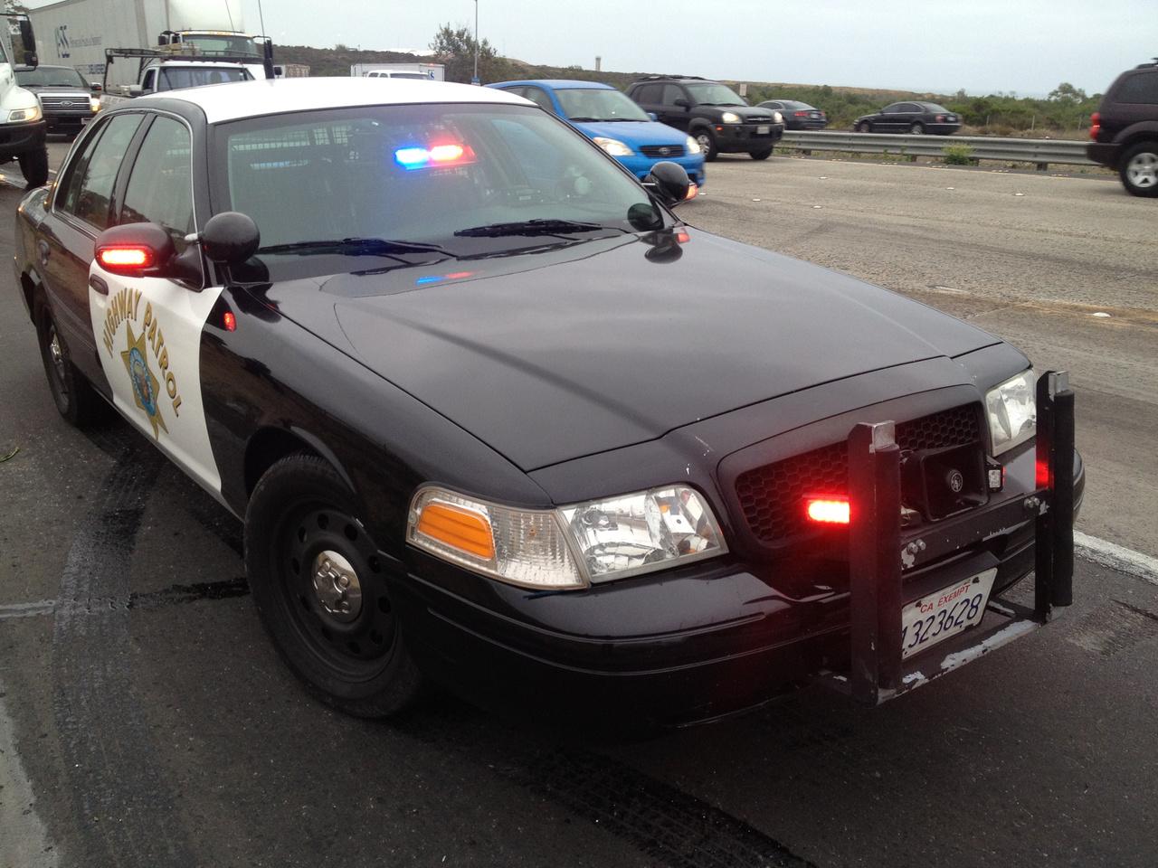 A kaliforniai autópálya rendőrségnek voltak feltuningolt Crown Vic-jei is. Amelyeket onnan lehetett felismerni, hogy nem volt rajtuk fényhíd. Hogy pontosan hány lóerősek voltak arról keveset tudni, de körülbelül 500 lóerősre tippelik a hozzáértők. Az egyik kaliforniai járőr visszaemlékezése szerint egyszer üldözőbe vett egy 911-es Porschét, amit nagyon hamar utolért. Mikor odalépett a sofőrhöz az csak annyit tudott kérdezni: Hogy a fenébe ért utól ezzel engem?