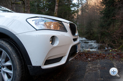 Állítólag a gyalogosvédelem miatt meredek az új BMW-k orra. Szerintem meg azért, mert jól néz ki.
