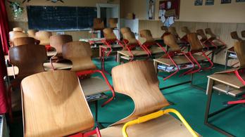 Több ezer tanári állás továbbra is betöltetlen