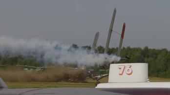 Lezuhant egy repülő egy orosz légi bemutatón, ketten meghaltak