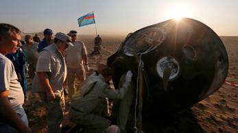 Sikeresen landolt három űrhajós a kazahsztáni sztyeppén