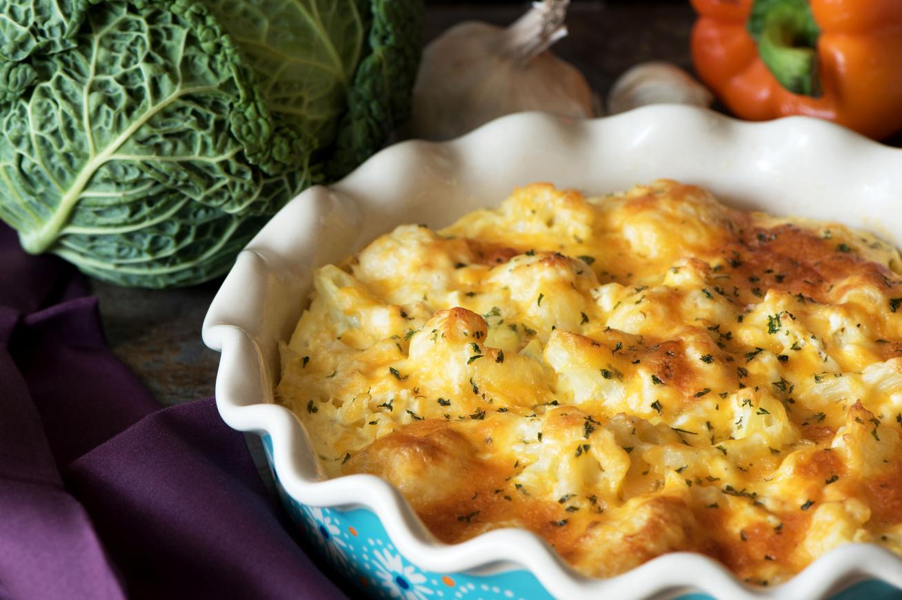Fűszeres káposztás tészta a sütőből, dupla adag sajttal a tetején