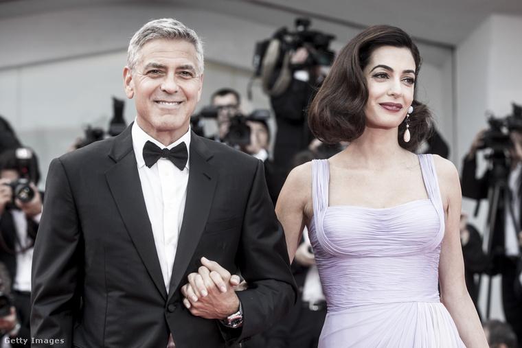 Szeptember első hétvégéjén volt, hogy a Velencei Filmfesztiválon Amal Clooney elkísérte a férjét, így végre megint láthattuk a vörös szőnyegen