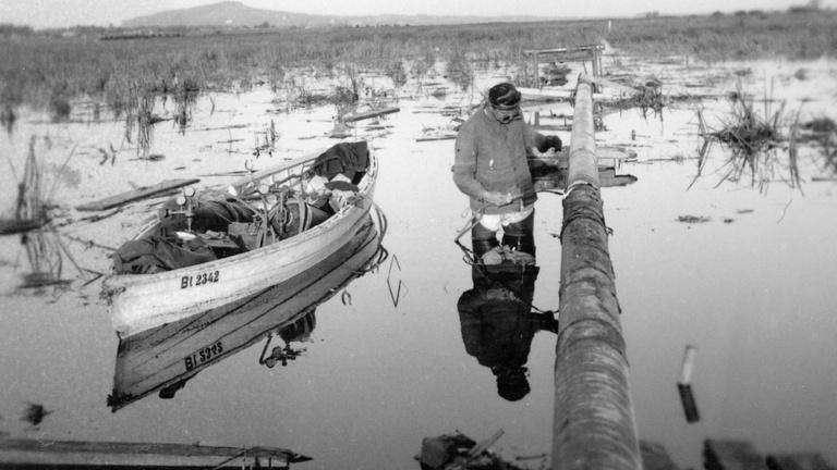 Combig a Kis-Balatonban hegesztették az első kőolajvezetéket