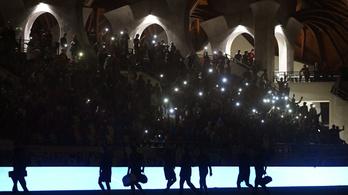 Mészárost cikizte a Vidi-tábor a sötét felcsúti stadionban