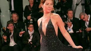 Egy mellbimbó is megmutatta magát a Velencei Filmfesztivál vörös szőnyegén