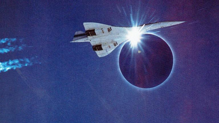 Szuperszonikus repülővel kergették a napfogyatkozást