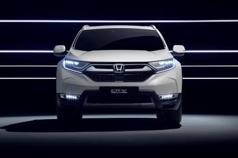 Hibriddel tör Európára az új Honda terepjáró