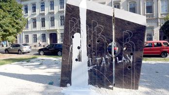 Újabb emlékművet rongáltak meg Sopronban
