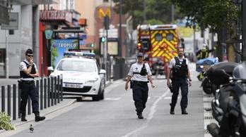 Terrorellenes alakulatok csaptak le Párizsban