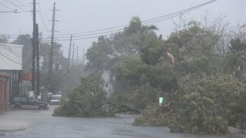 Puerto Ricónál tombol Irma, a hurrikán