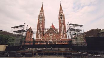 Két perc alatt felépítjük a Szegedi Szabadtérit
