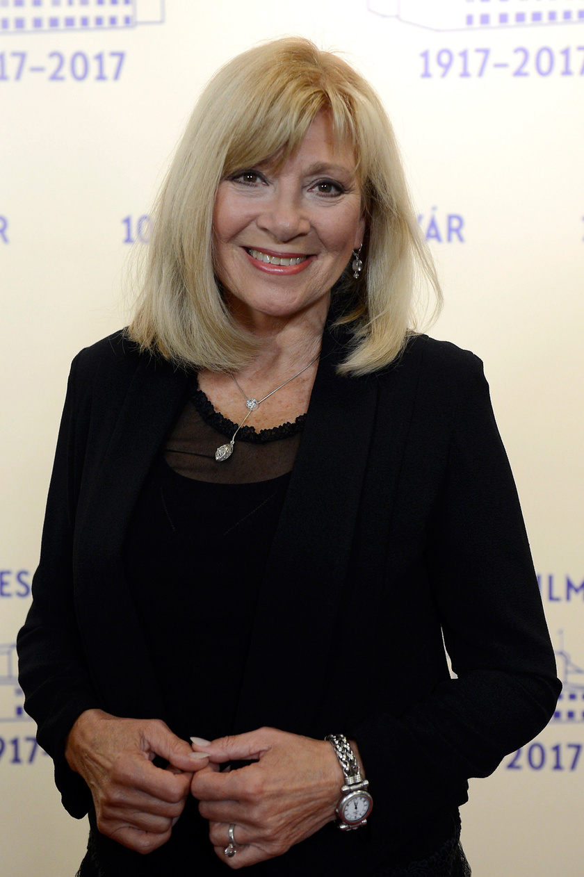 Bencze Ilona Jászai Mari-díjas színésznő gyönyörű volt a százéves Filmgyár jubileumi ünnepségén.