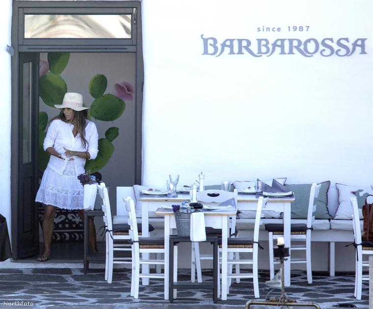 Eva Longoria a nyár folyamán többször is megmutatta magát bikiniben