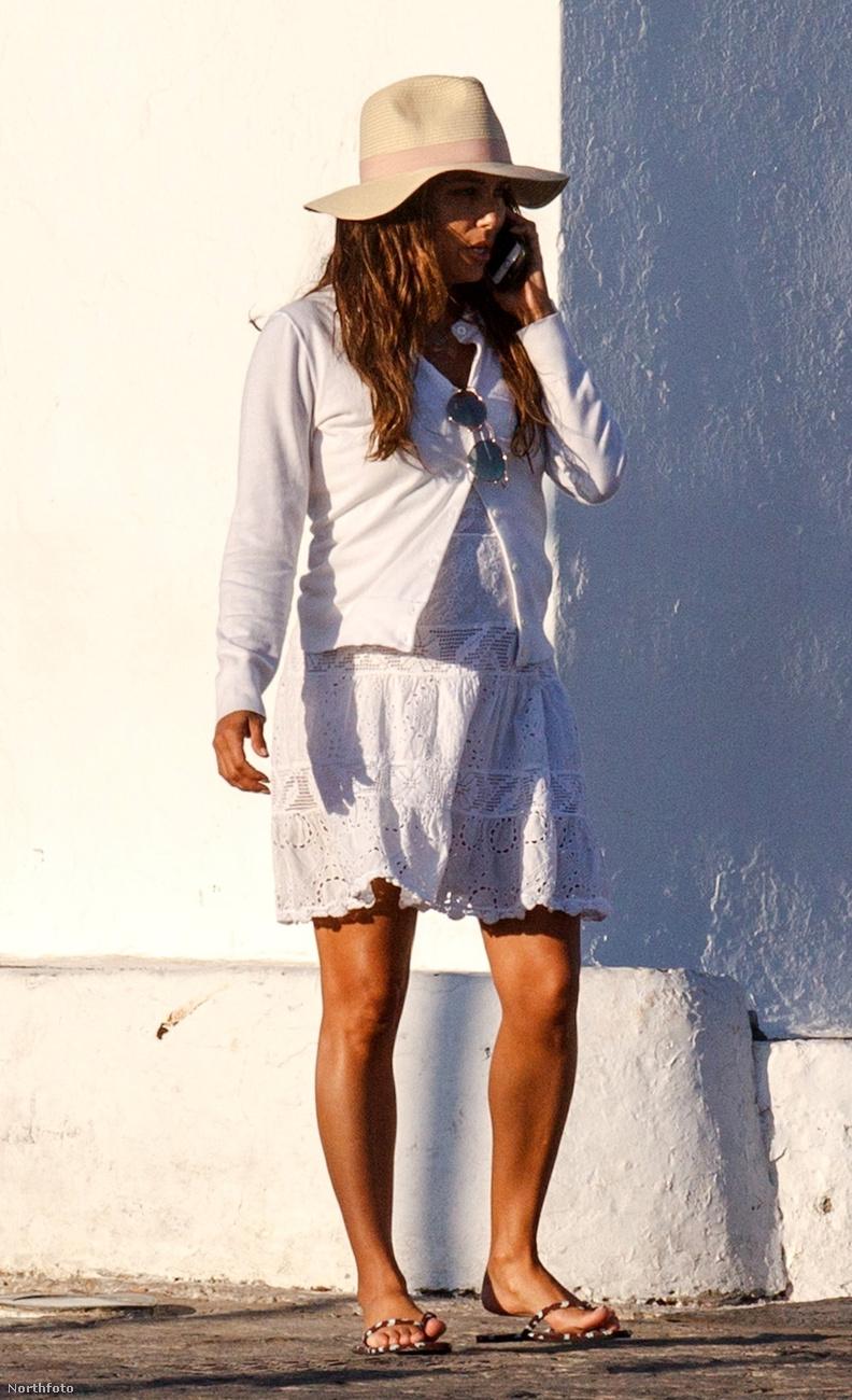 Aztán az is lehet, hogy Longoria csak rétegesen öltözködött ezen a szeptemberi napon.