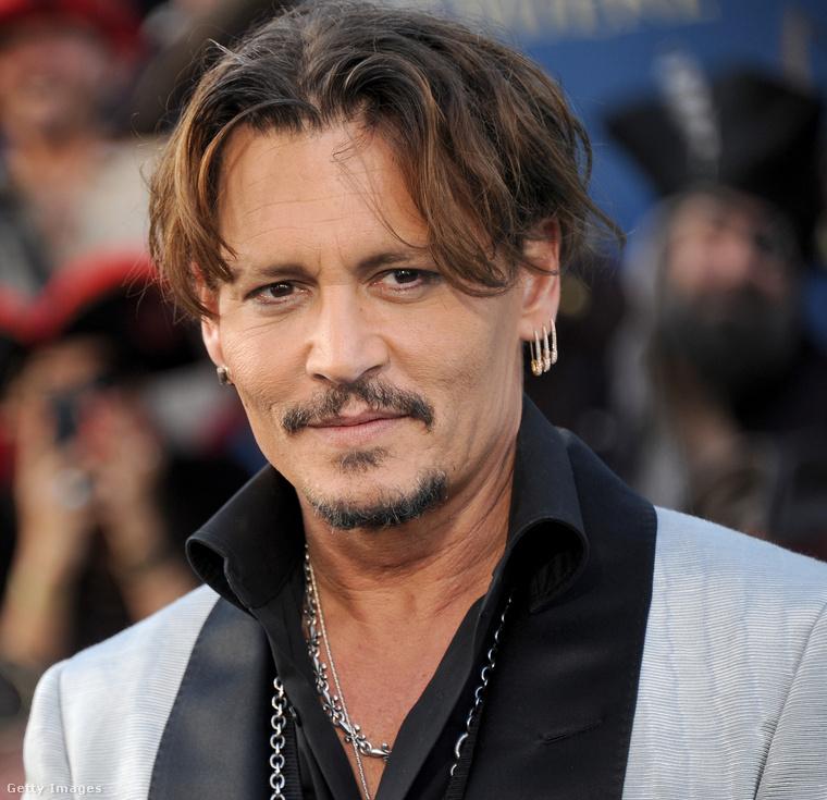 Az iménti képeken Jack Christopher Deppet láthatták, aki Johnny Depp (és Vanessa Paradis) fia.