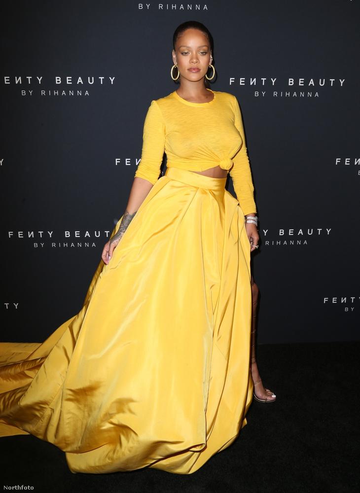 ...a szoknya viszont olyan mintha Belle ruhája lenne a Szépség és a szörnyetegből, csak nem sikerült rendesen megvarrni...
