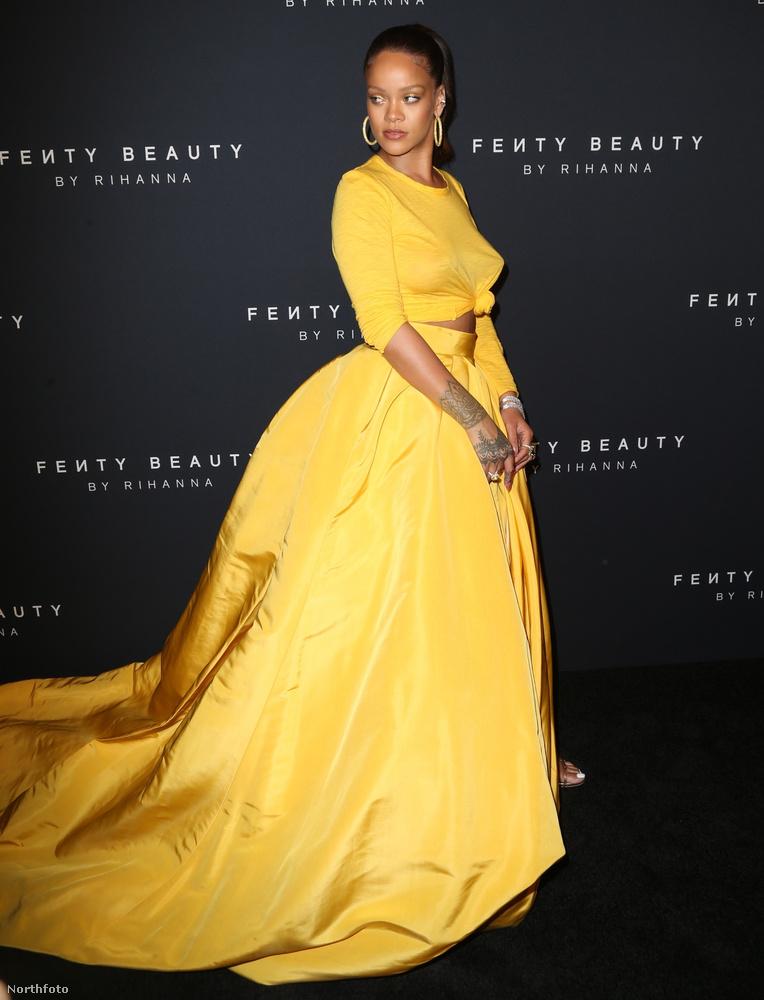 Rihanna nem először próbálkozik értelmezhetetlen sárga szereléssel