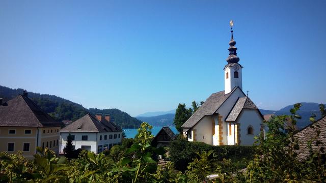 Maria Wörth, a tó névadó települése