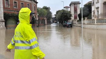 Hatan meghaltak Toszkánában a szombat éjszakai viharban