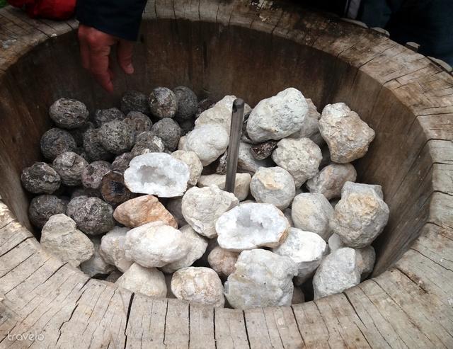 De 9 euróért bárki választhat magának egy követ