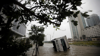 Gyengült Irma, de még most is életveszélyes