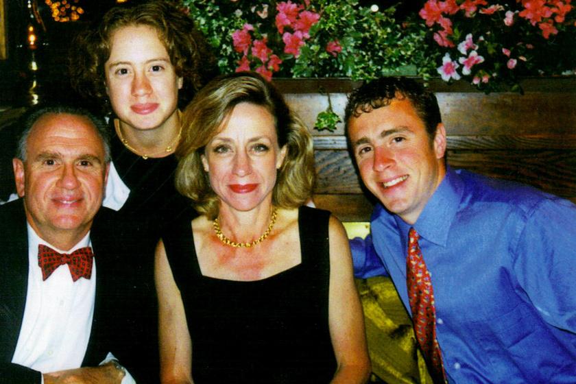 Szívfacsaró üzenetet hagyott anyja telefonján szeptember 11. hőse: a biztos halálba rohant