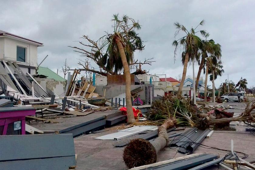 Magyarok rekedtek a hurrikán sújtotta szigeten: sosem volt még ilyen nehéz a mentés