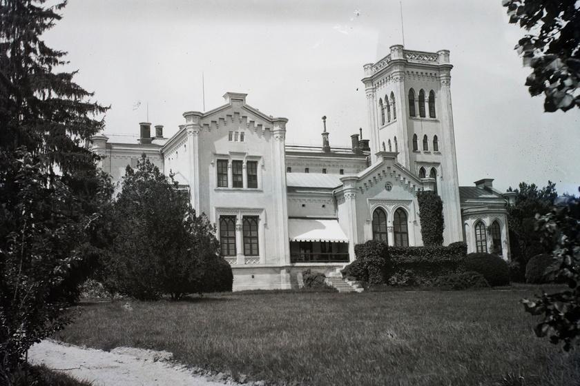 Romhalmazzá vált a 19. század egyik legszebb magyar kastélya: az úrnő büszkesége volt
