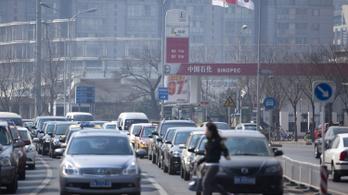 Kína betiltaná a benzines és dízeles autókat