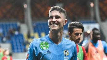 26 perc: Felcsút még sötétebbé teszi a magyar futballt