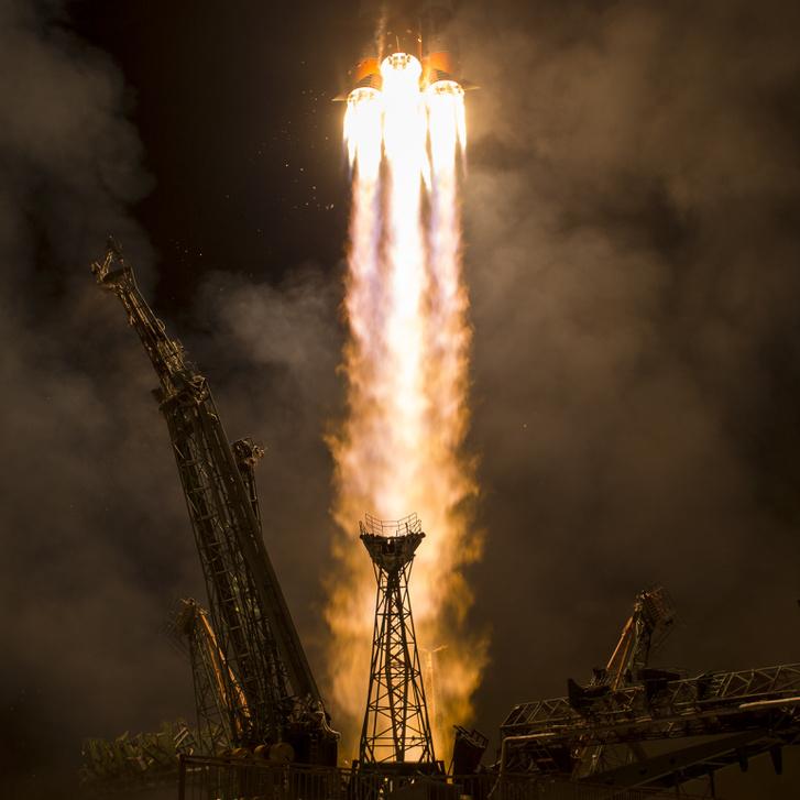 Helyi idő szerint 3 óra 17 perckor emelkedett a magasba a Szojuz rakéta