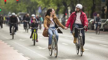 HelloBringás, a kerékpárosok digitális szerszámosládája