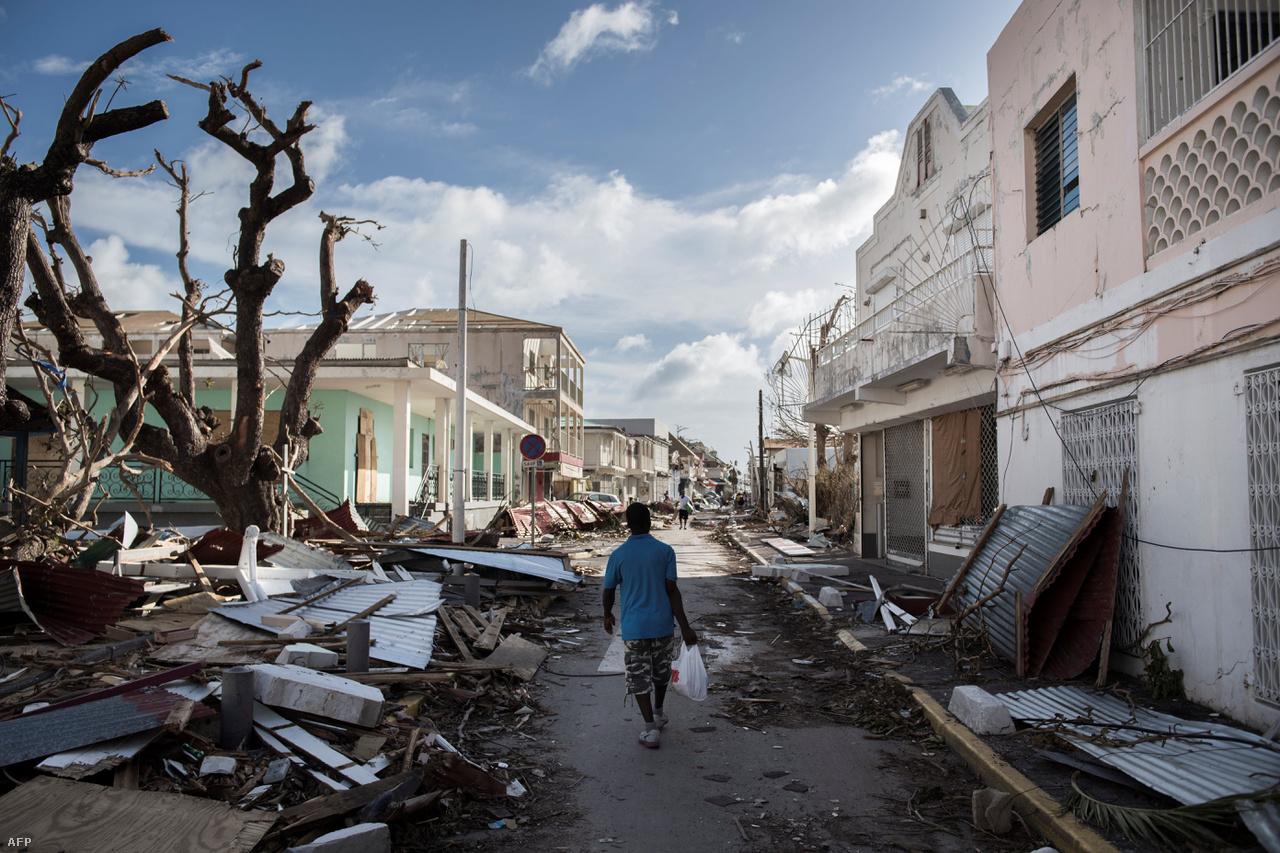 Ráadásul idén még nincs is vége a különösen aktív hurrikánszezonnak. Az észak-atlanti térségben augusztustól november végéig tart a csúcs, ilyenkor keletkezik a legtöbb nagy hurrikán.