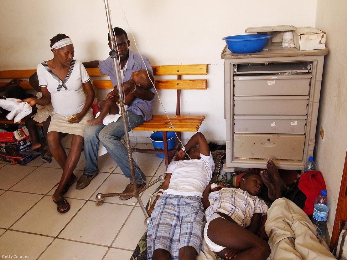 Kolerás betegek Haitin 2010-ben