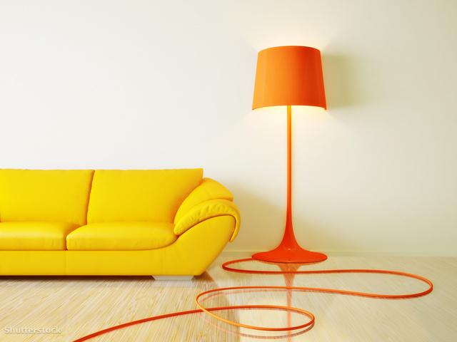 5. Egy villanyszerelő hamar megoldja, hogy mindenhol legyen elég konnektor. Egy felújítás során ez apróság, ami később sok bosszúságtól megkímél