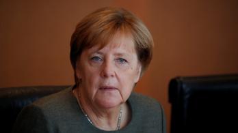 Merkelnek elege van az erőszakoskodó bevándorlókból