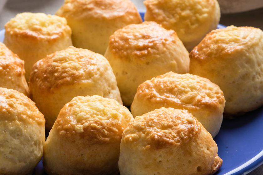 Omlós sajtos pogácsa régi családi recept szerint - Keleszteni és hajtogatni sem kell