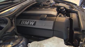 Ezért szeretjük a benzines hathengeres BMW-t!