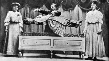 Akik az emberi hiszékenységgel játszanak: a bűvészek