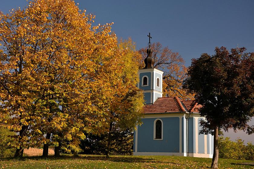 5 parányi falu bújik meg a lankás dombok közt: a geresdi táj biciklivel és gyalog is óriási élmény