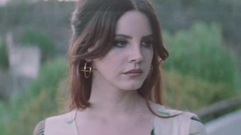 A Facebookon talált szerelmet Lana Del Rey