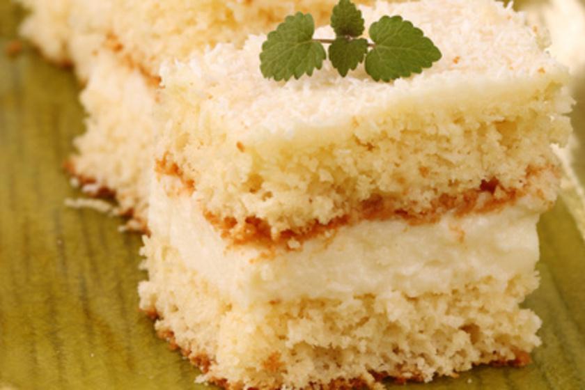 Cukor és lisztmentes Raffaello-szelettel maxold ki a hétvégét!