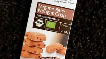 Magyarországra is hozhattak a vegán nugátszeletből, amibe üvegdarab került