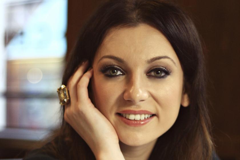 A hétvégén titokban férjhez ment a magyar énekesnő - Gyönyörű menyasszony volt