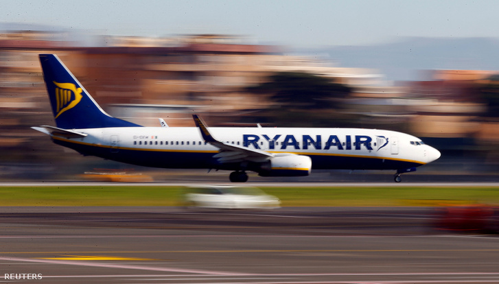 2017-09-18T093857Z 1927809569 RC1168EECB00 RTRMADP 3 RYANAIR-CAN